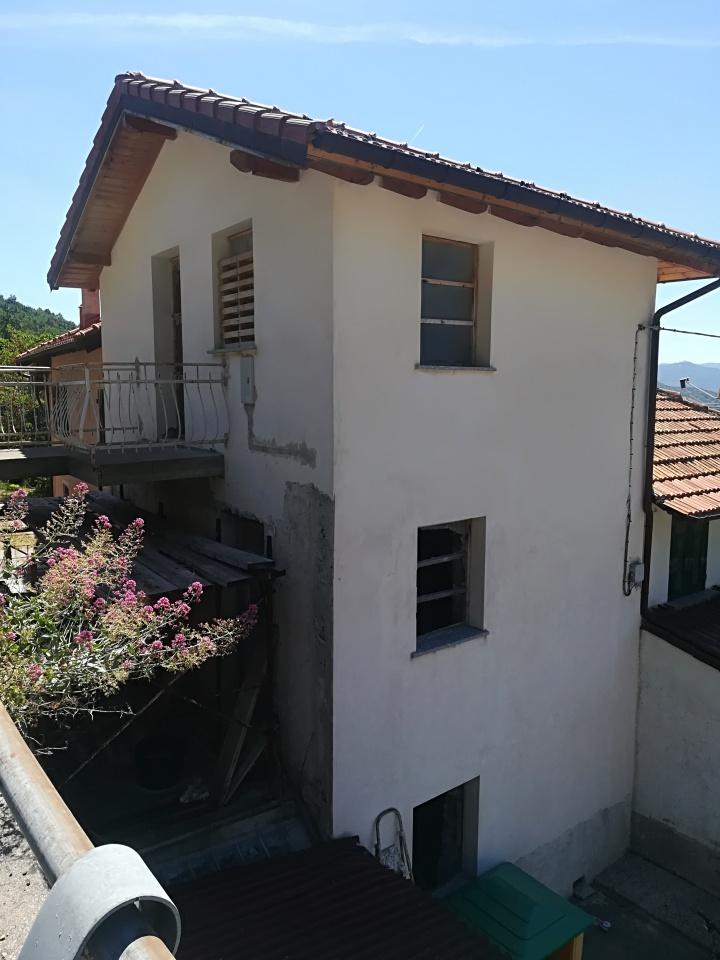 Soluzione Semindipendente in vendita a Sant'Olcese, 6 locali, Trattative riservate | Cambio Casa.it