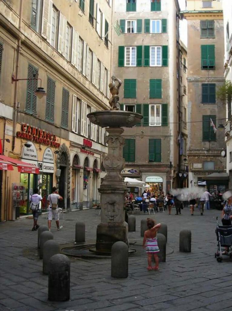 Negozio, piazza campetto, Affitto - Genova (GE)