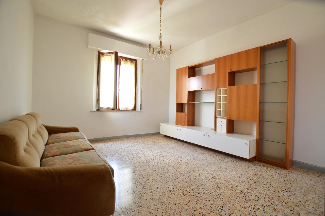 Appartamento in vendita a Monteroni d'Arbia, 6 locali, prezzo € 175.000 | PortaleAgenzieImmobiliari.it