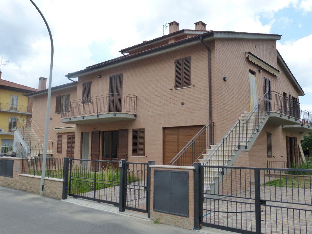 Appartamento in vendita a Monteroni d'Arbia, 2 locali, prezzo € 165.000 | CambioCasa.it