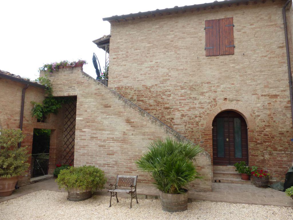 Appartamento in vendita a Buonconvento, 6 locali, prezzo € 298.000   CambioCasa.it