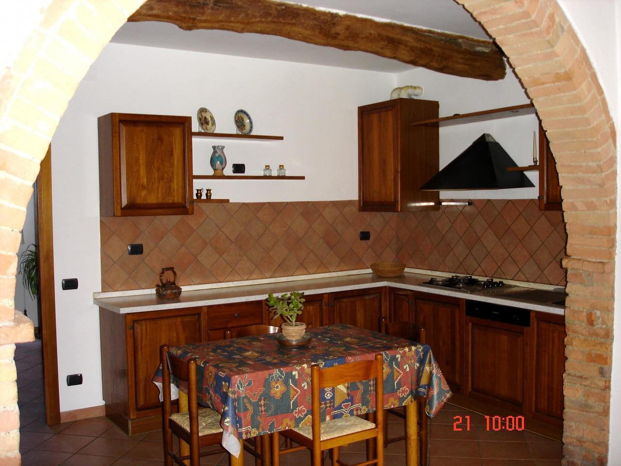 Appartamento in vendita a Murlo, 3 locali, prezzo € 190.000 | CambioCasa.it