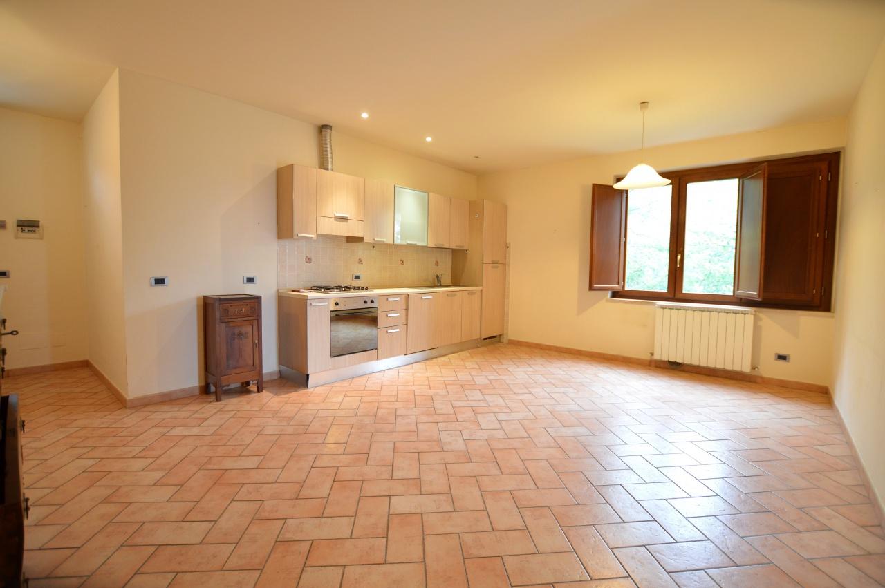 vendita appartamento murlo  Via Roma 118000 euro  4 locali  67 mq