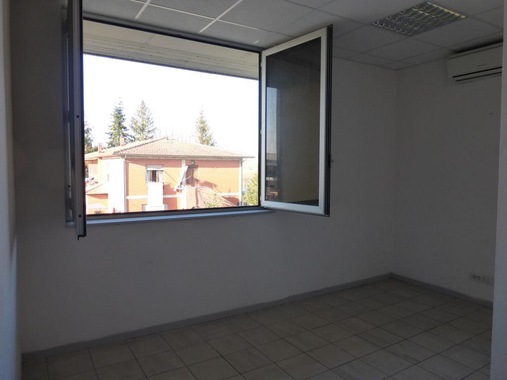 Ufficio / Studio in affitto a Monteroni d'Arbia, 3 locali, prezzo € 600 | CambioCasa.it