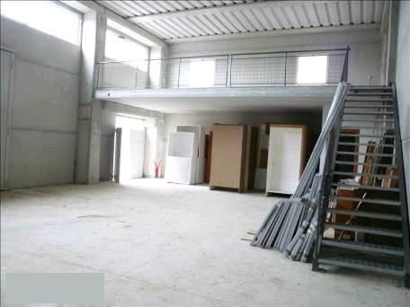 Magazzino in vendita a Monteroni d'Arbia, 2 locali, prezzo € 185.000 | CambioCasa.it