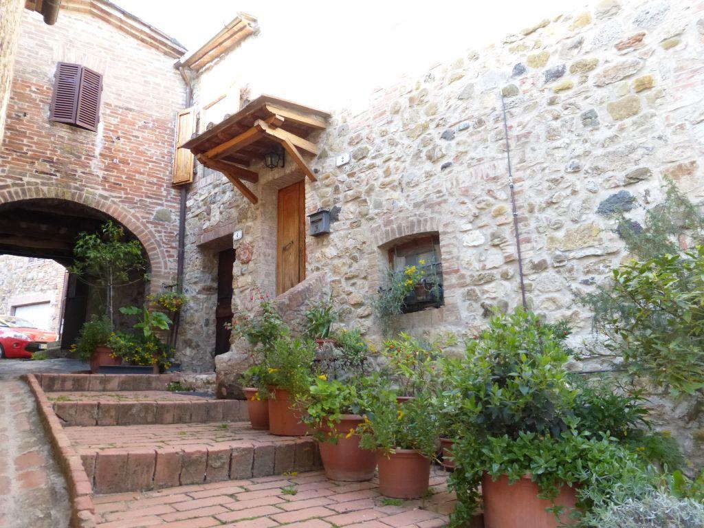 Appartamento in vendita a Murlo, 5 locali, prezzo € 145.000 | CambioCasa.it