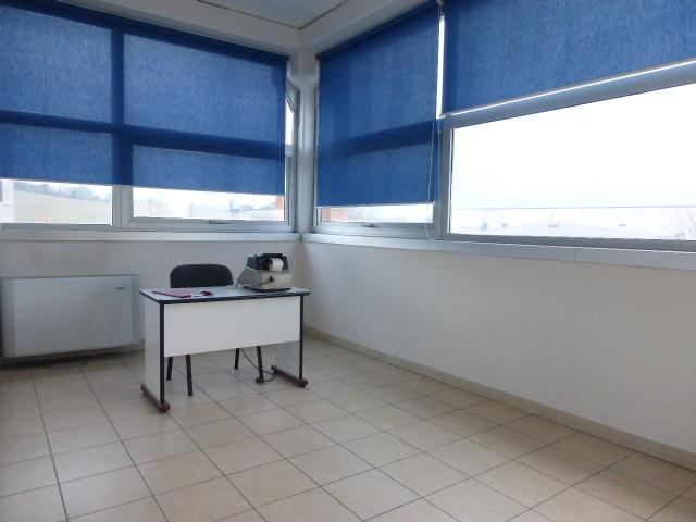 Ufficio / Studio in vendita a Monteroni d'Arbia, 3 locali, prezzo € 65.000 | CambioCasa.it