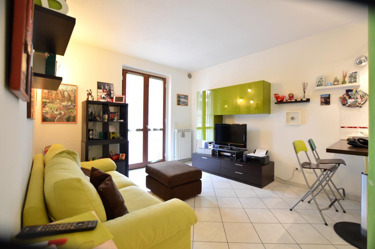 Appartamento in ottime condizioni in vendita Rif. 7699802