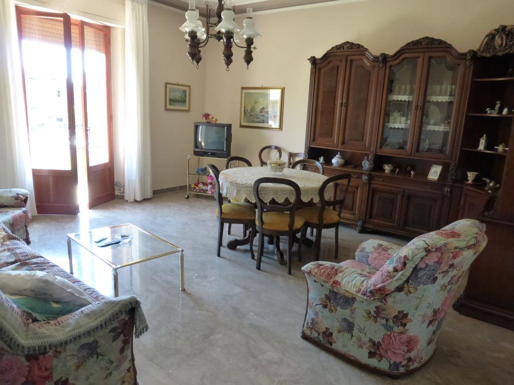 Soluzione Indipendente in vendita a Monteroni d'Arbia, 9 locali, prezzo € 349.000 | CambioCasa.it