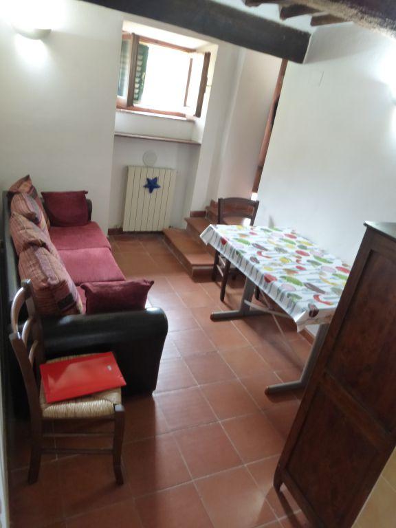 Vendita  Appartamenti Crete senesi