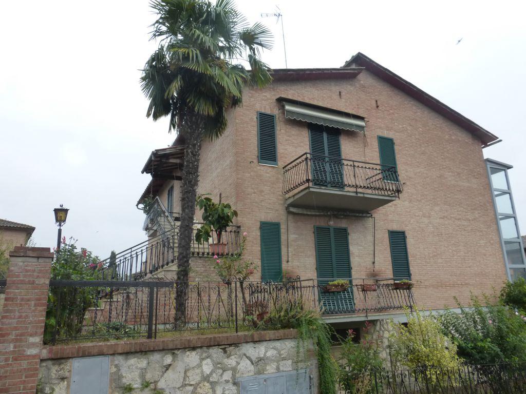 Appartamento da ristrutturare in vendita Rif. 4777482