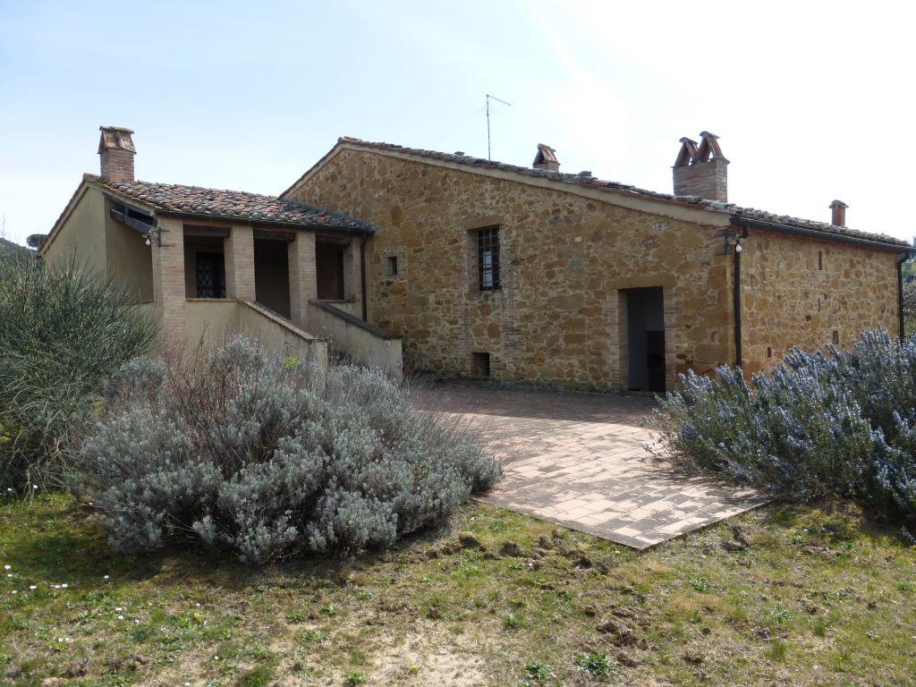 Rustico / Casale in vendita a Trequanda, 9 locali, Trattative riservate | CambioCasa.it