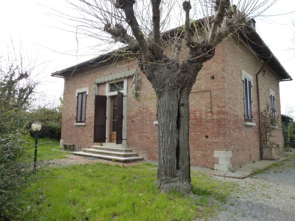 Soluzione Indipendente in vendita a Monteroni d'Arbia, 4 locali, Trattative riservate | CambioCasa.it
