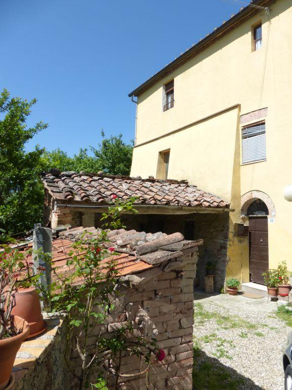 Appartamento in vendita a Asciano, 7 locali, prezzo € 155.000 | CambioCasa.it