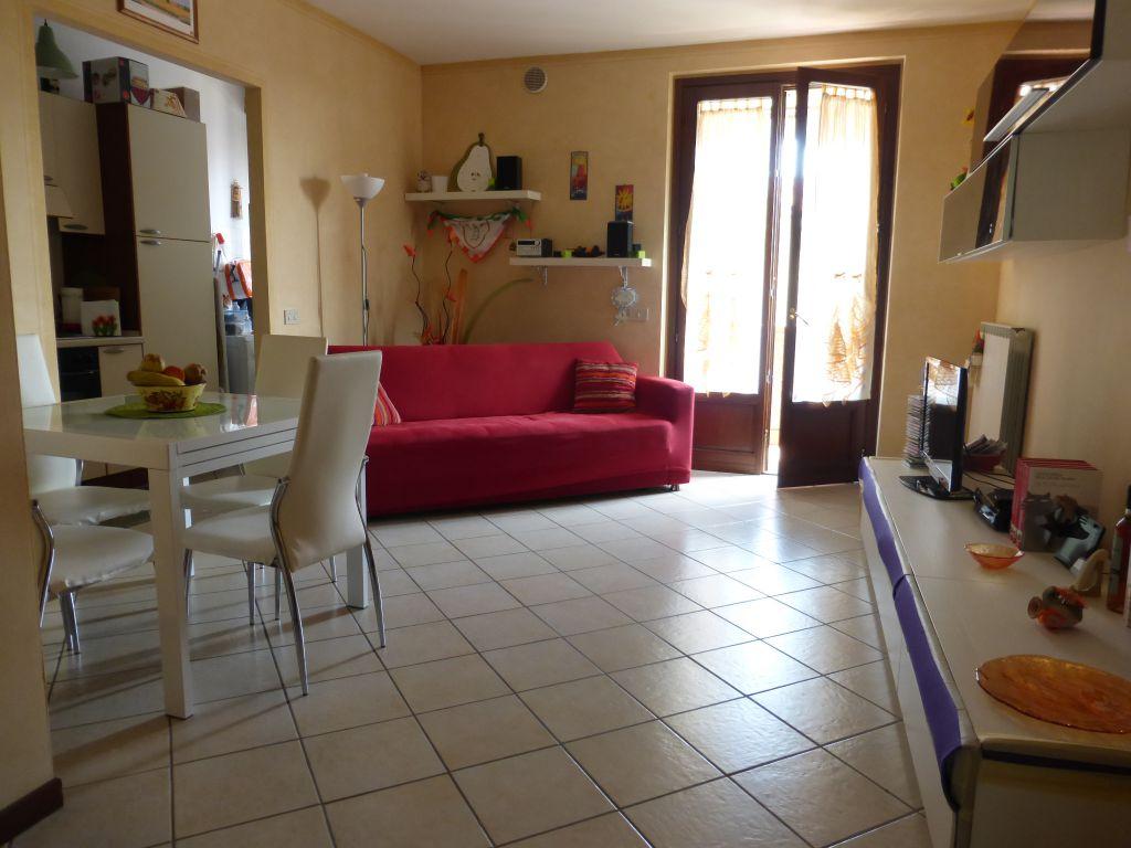 Bilocale Monteroni d Arbia Via L. Longo 2