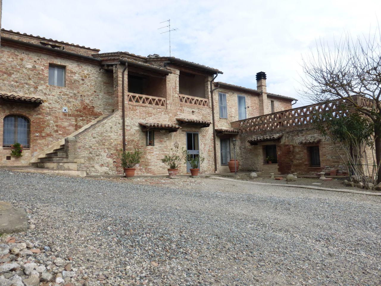 Rustico / Casale in vendita a Monteroni d'Arbia, 17 locali, Trattative riservate | CambioCasa.it