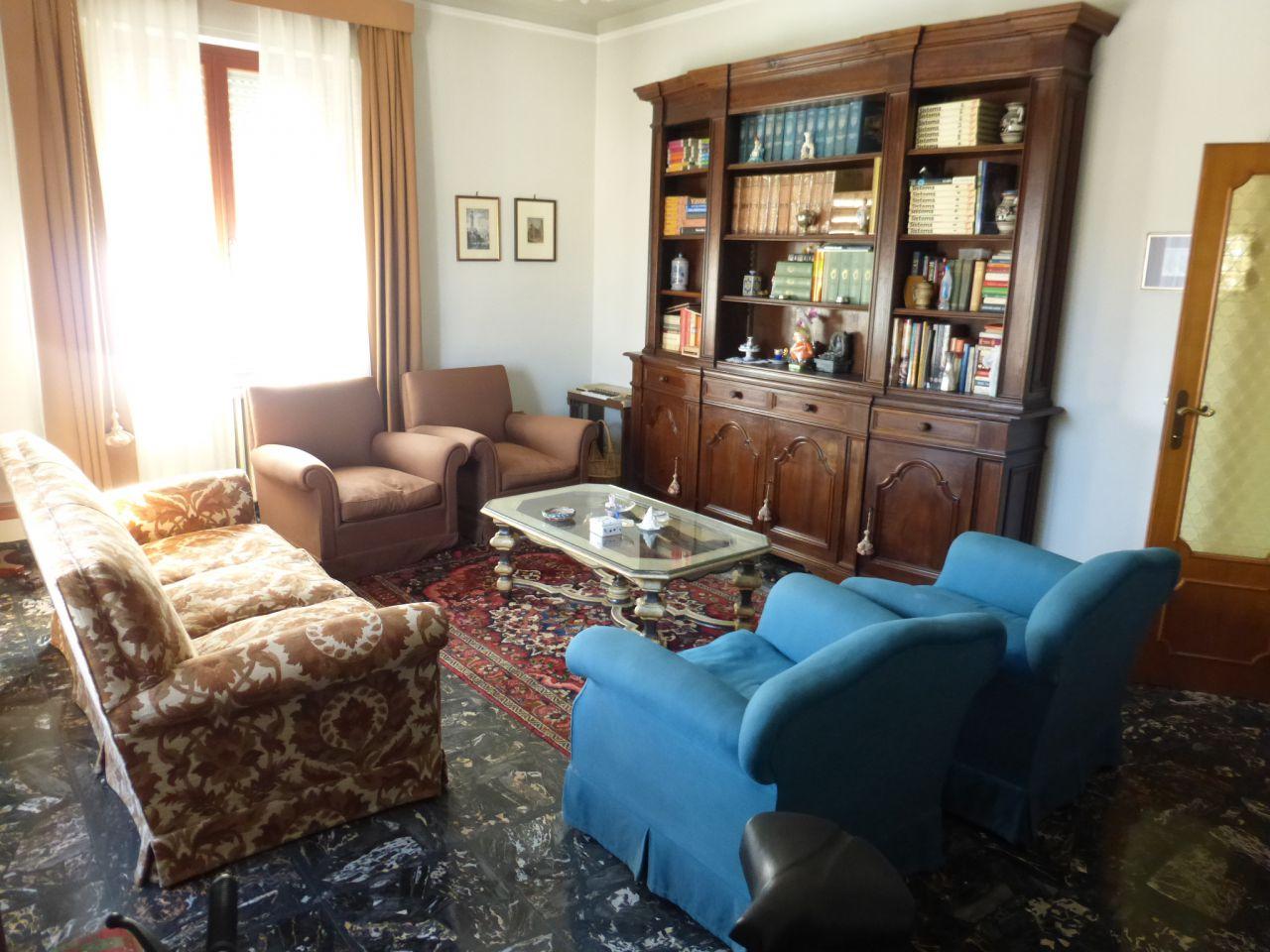 Appartamento in affitto a Monteroni d'Arbia, 5 locali, Trattative riservate | Cambio Casa.it