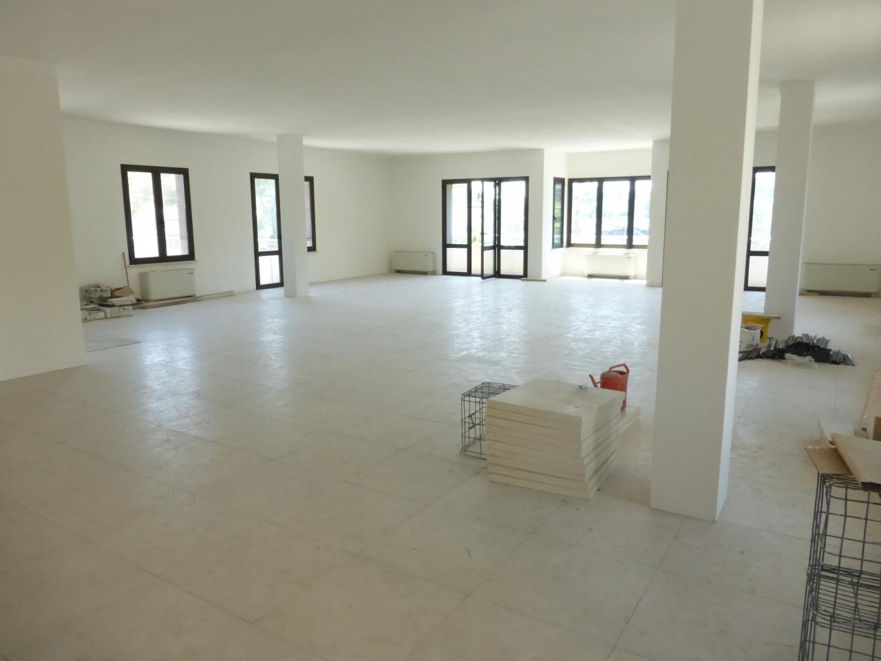 Ufficio / Studio in affitto a Siena, 9999 locali, prezzo € 3.000 | CambioCasa.it