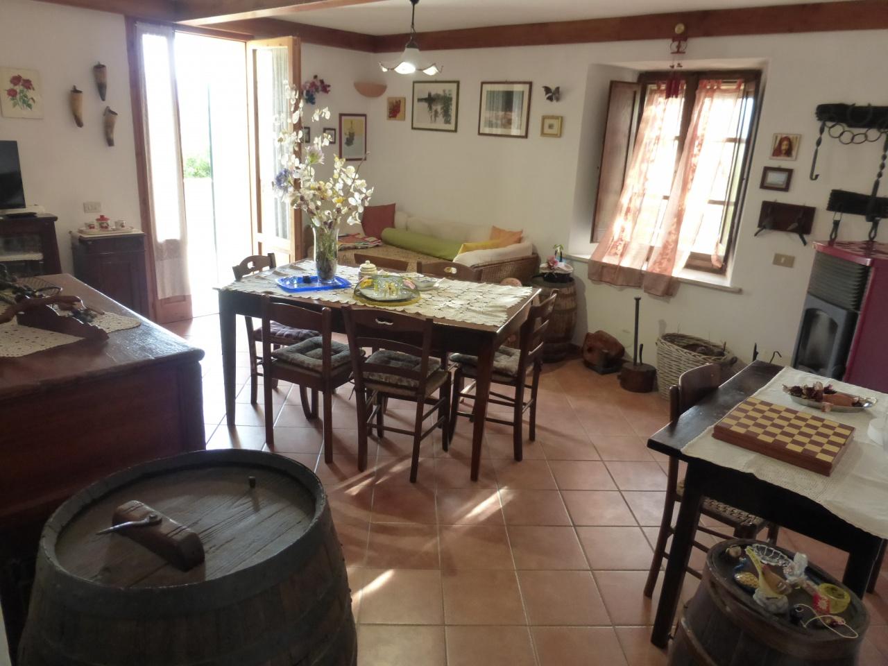 Appartamento in ottime condizioni in vendita Rif. 4777530