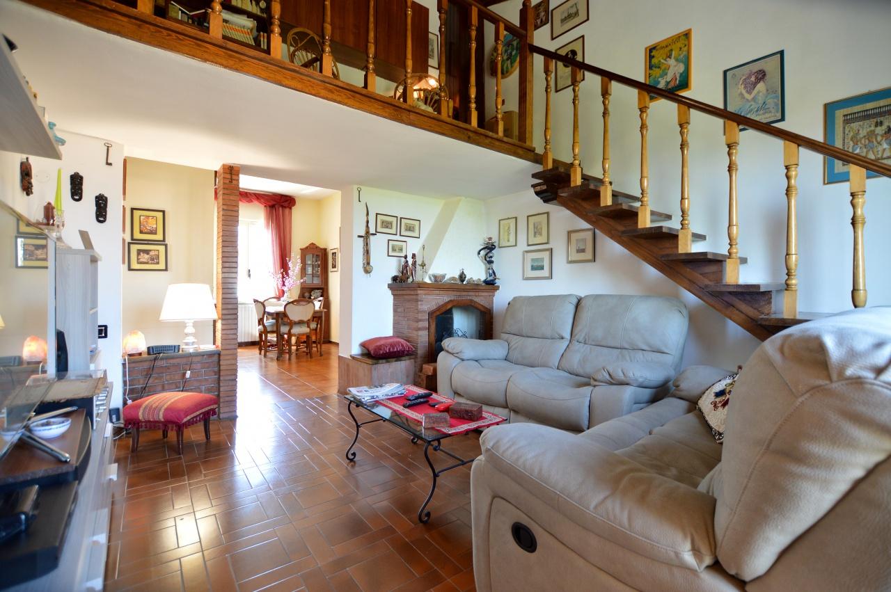 vendita appartamento siena colle malamerenda Via Cassia Sud 235000 euro  4 locali  90 mq
