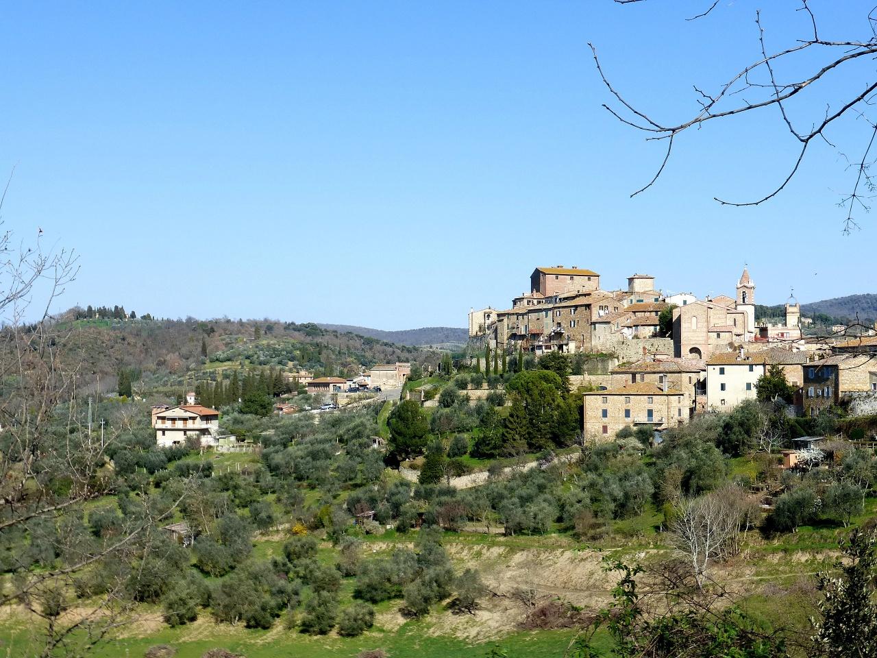 Villa a Schiera in vendita a Montalcino, 7 locali, prezzo € 285.000 | CambioCasa.it