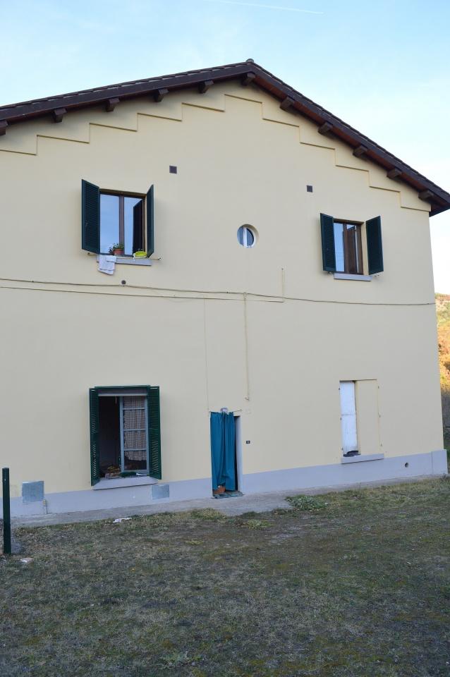 Appartamento in discrete condizioni in vendita Rif. 4777556