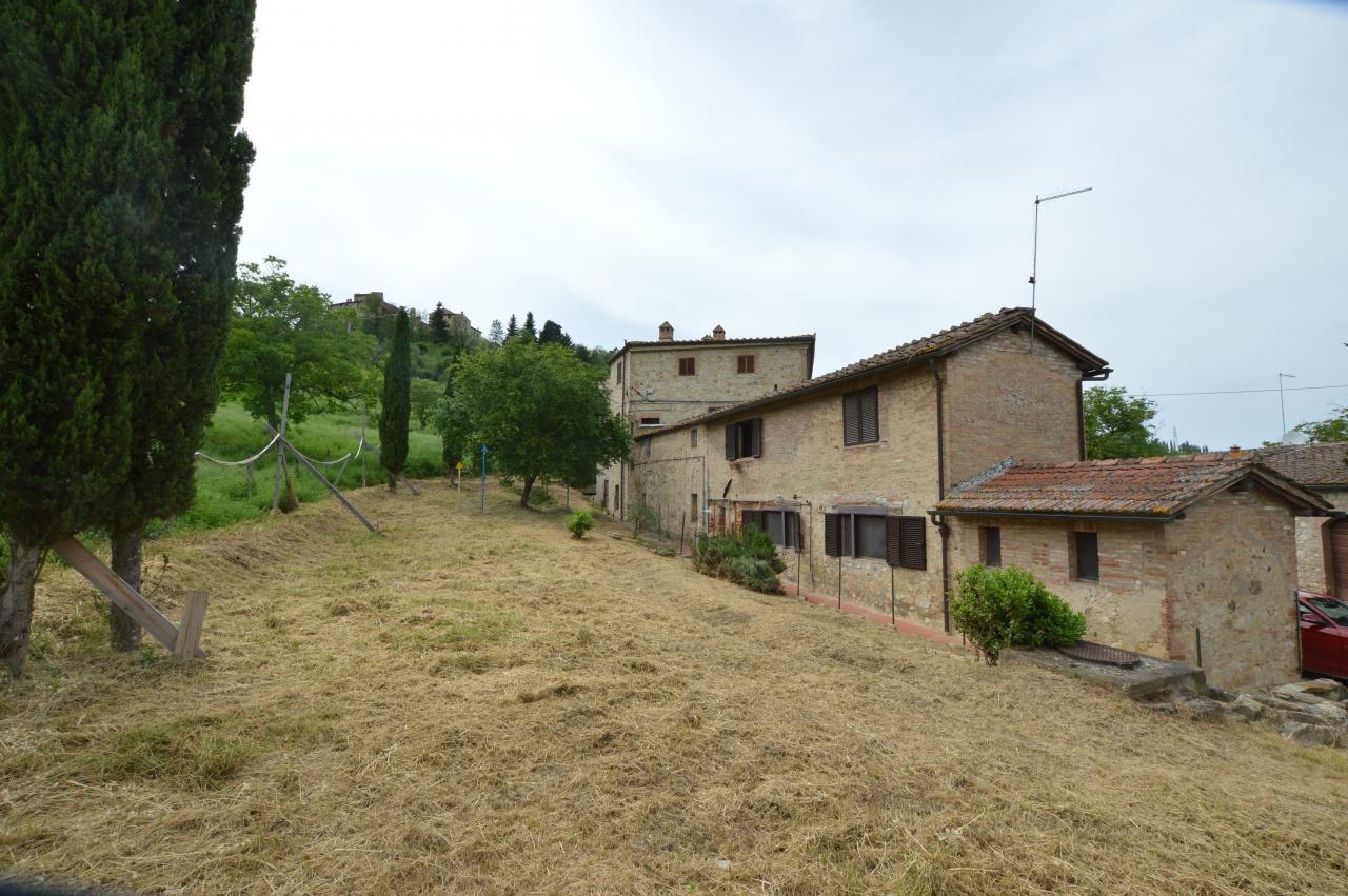 Appartamento in vendita a Siena, 5 locali, prezzo € 220.000 | CambioCasa.it