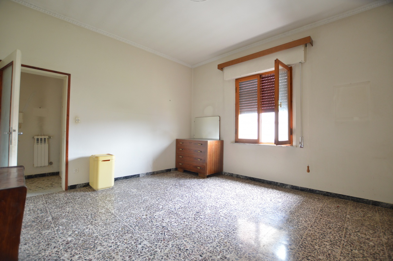 Appartamento in vendita a Buonconvento, 6 locali, prezzo € 99.000 | PortaleAgenzieImmobiliari.it