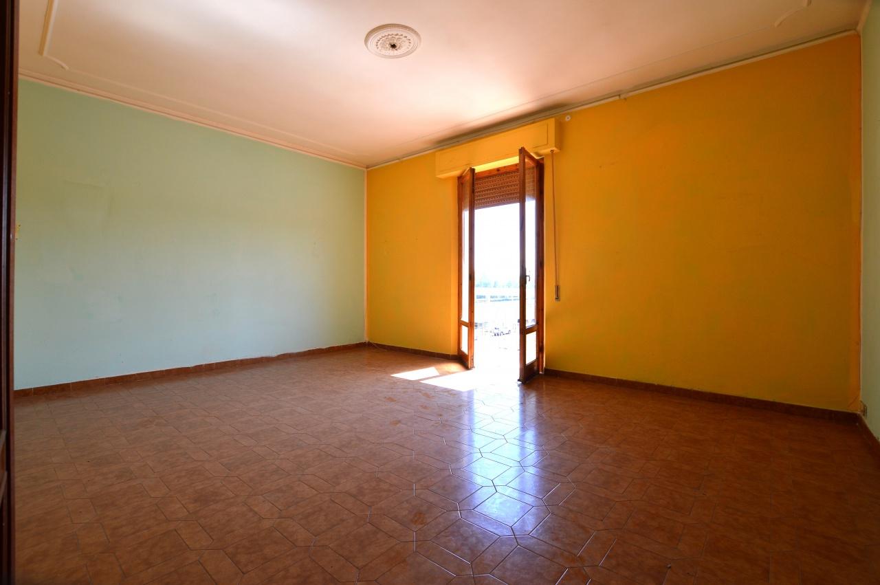 Appartamento da ristrutturare in vendita Rif. 8210116