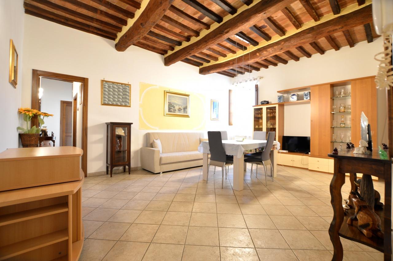 Appartamento in ottime condizioni in vendita Rif. 8118429