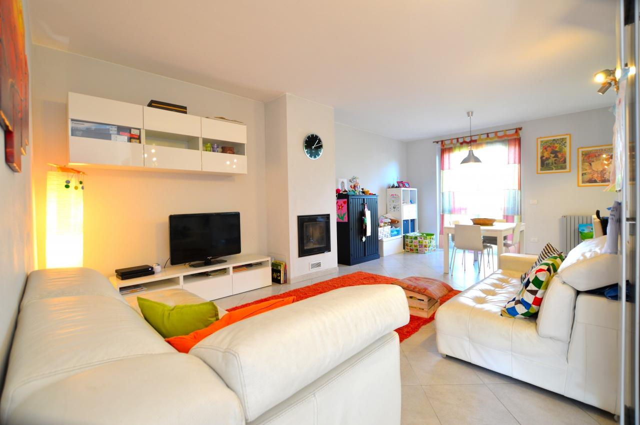Appartamento in ottime condizioni in vendita Rif. 8486852