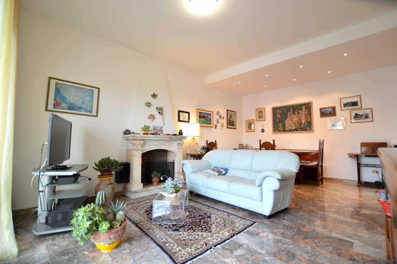 Appartamento in vendita a Siena, 6 locali, prezzo € 330.000 | CambioCasa.it