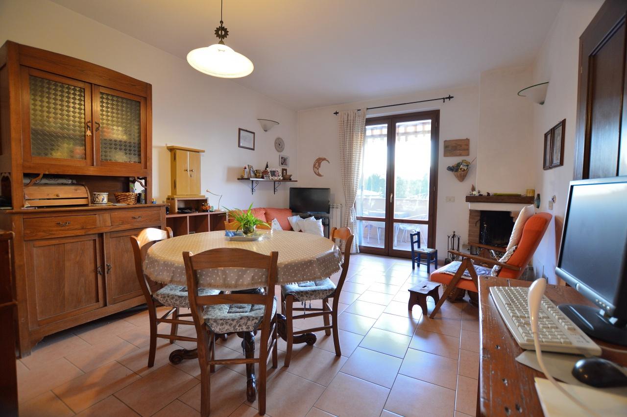 Casa Indipendente in buone condizioni in vendita Rif. 9459837