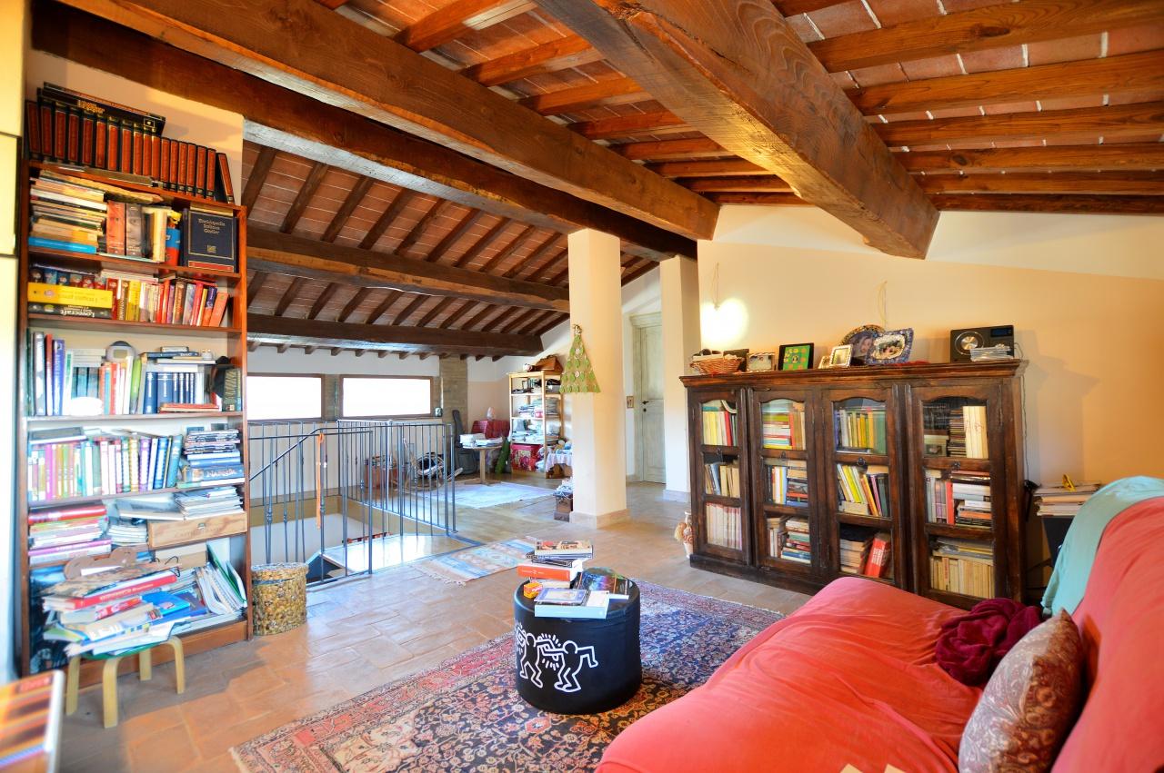 Casa Indipendente ristrutturato in vendita Rif. 9700864