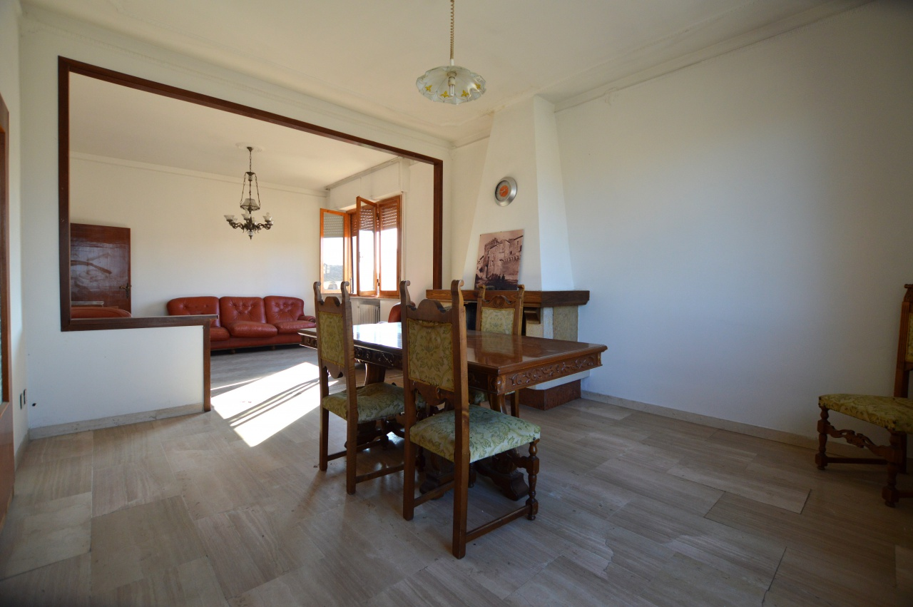 Appartamento da ristrutturare in vendita Rif. 9700866