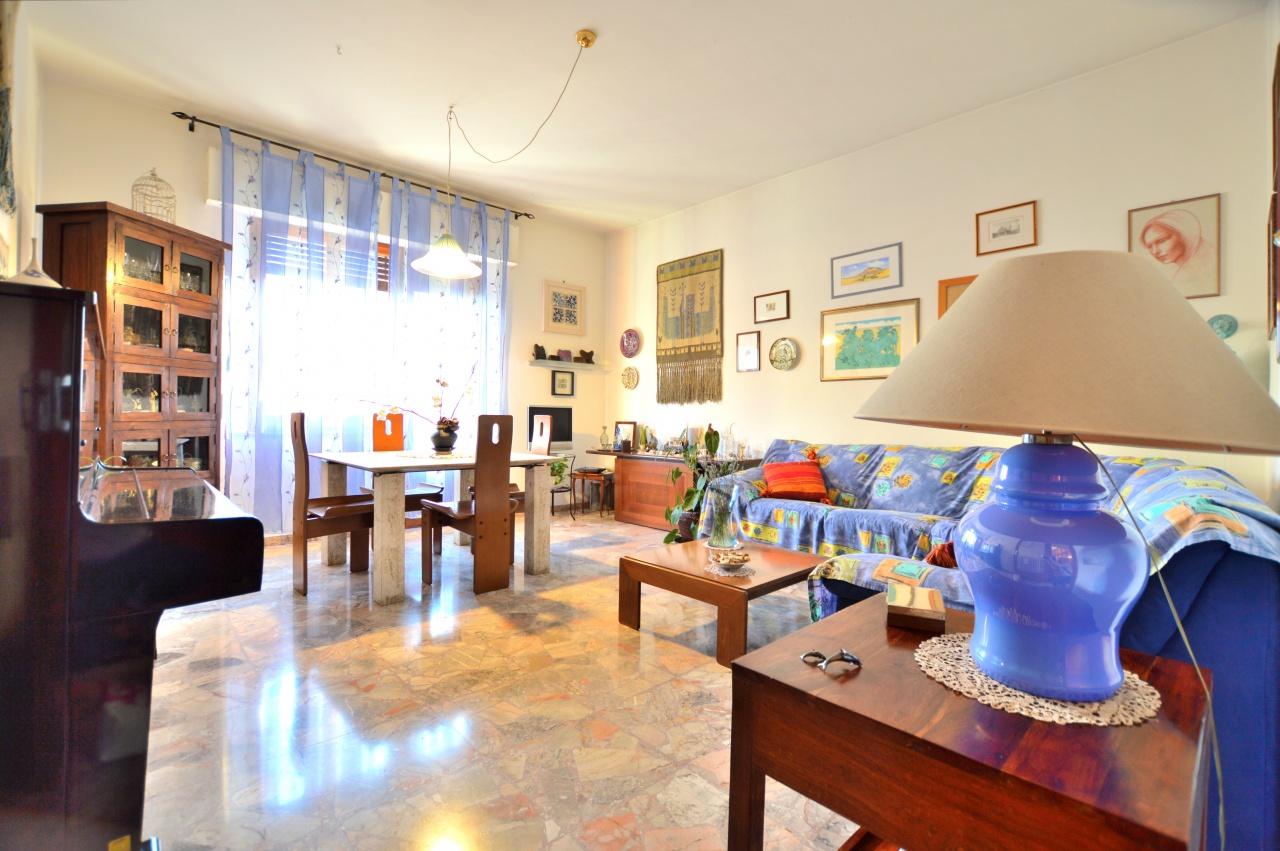 Appartamento in vendita a Siena, 6 locali, prezzo € 420.000 | CambioCasa.it