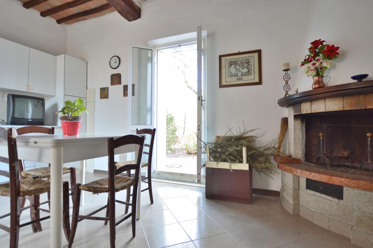 Appartamento in vendita a Murlo, 2 locali, prezzo € 53.000 | CambioCasa.it
