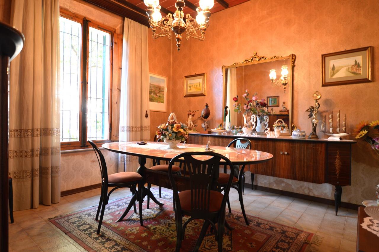 Appartamento in vendita a Siena, 5 locali, prezzo € 270.000 | CambioCasa.it