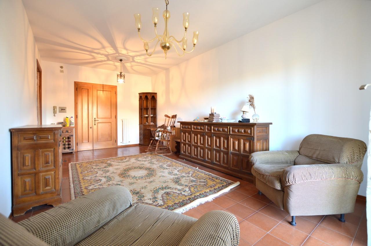 Appartamento in vendita a Castelnuovo Berardenga, 3 locali, prezzo € 107.000 | CambioCasa.it
