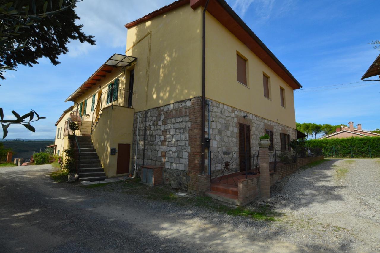 Appartamento in buone condizioni in vendita Rif. 11369621