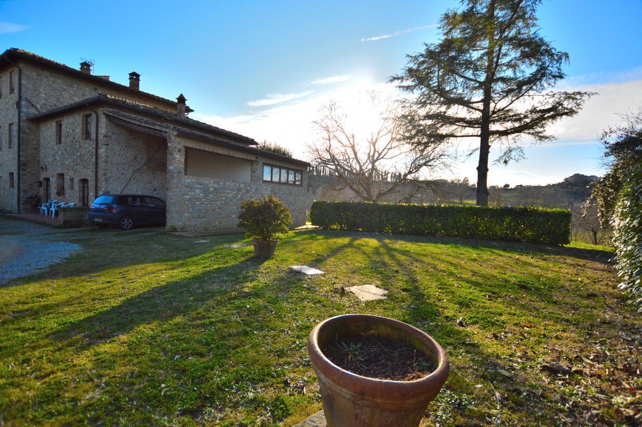 Appartamento in vendita a Siena, 6 locali, prezzo € 450.000 | CambioCasa.it