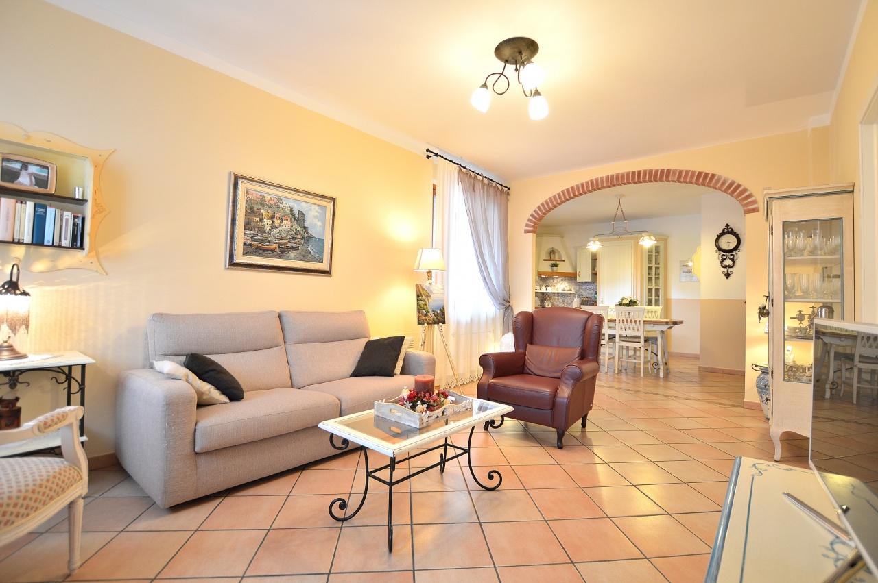 Appartamento in vendita a Castelnuovo Berardenga, 4 locali, prezzo € 235.000 | PortaleAgenzieImmobiliari.it