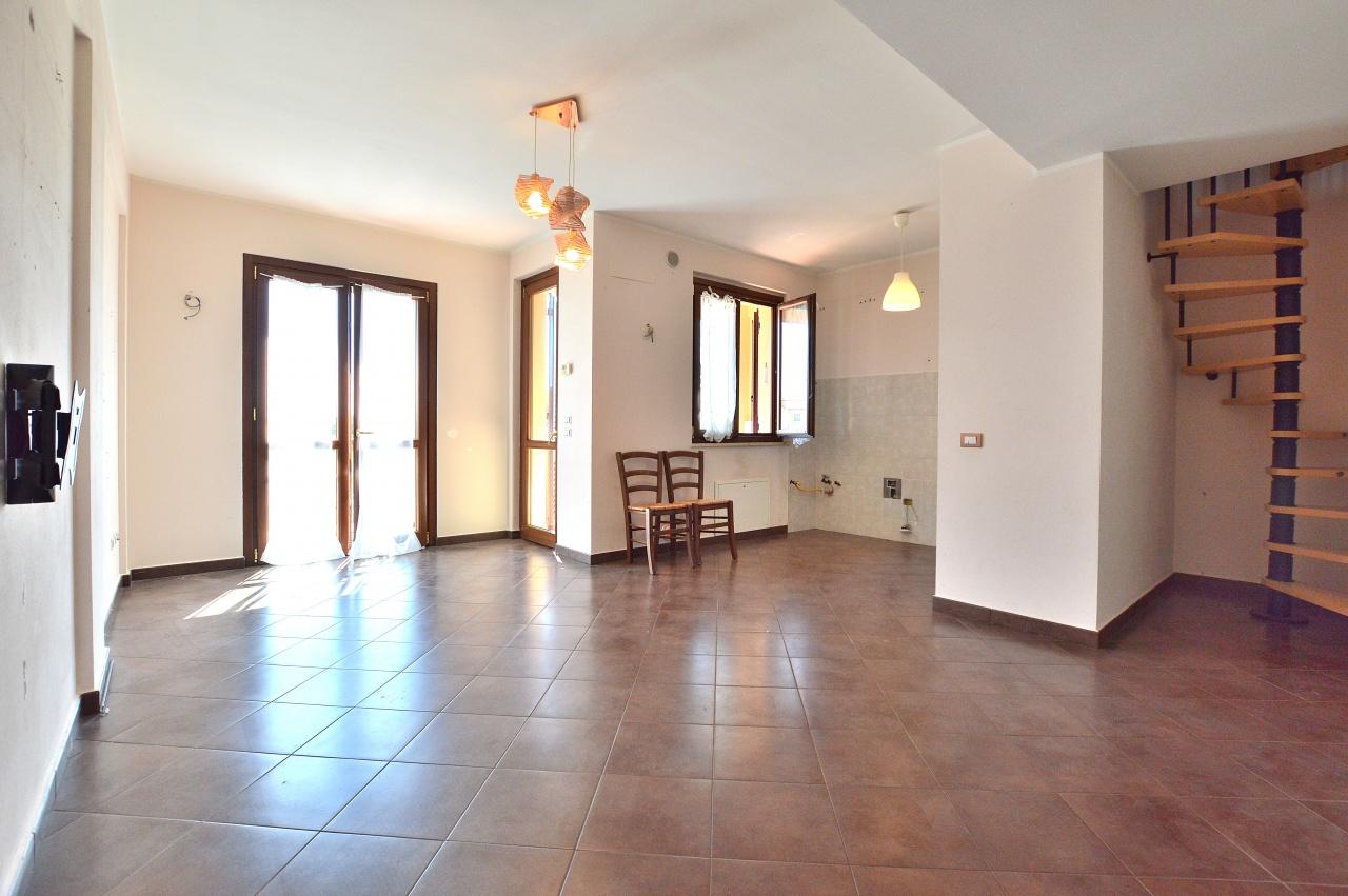 Appartamento in vendita a Monteroni d'Arbia, 3 locali, prezzo € 159.000   CambioCasa.it