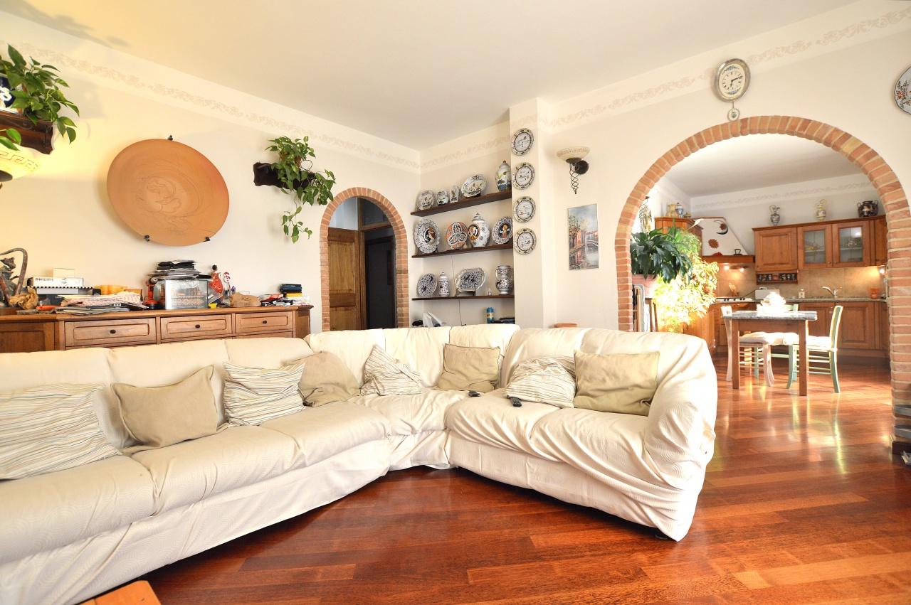 Appartamento in vendita a Monteroni d'Arbia, 3 locali, prezzo € 215.000   CambioCasa.it