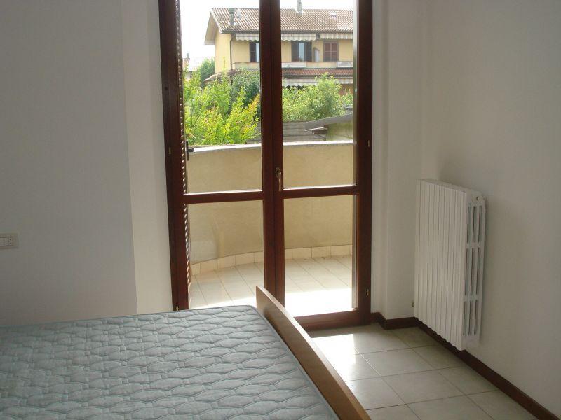 Appartamento in affitto a Agrate Brianza, 2 locali, zona Zona: Omate, prezzo € 400 | Cambiocasa.it