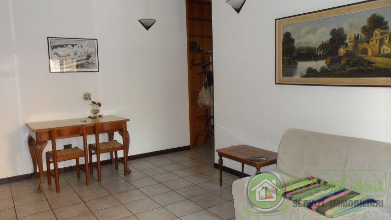 Bilocale Cavenago di Brianza Via Matteotti 12