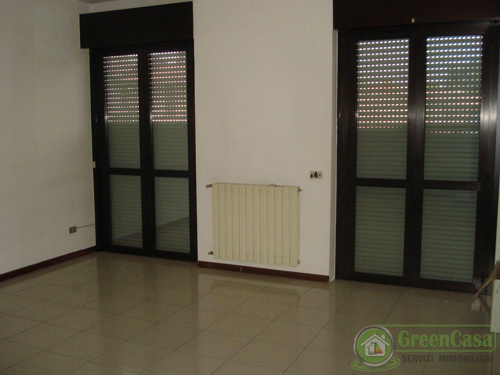 Appartamento in affitto a Agrate Brianza, 4 locali, prezzo € 750 | Cambiocasa.it