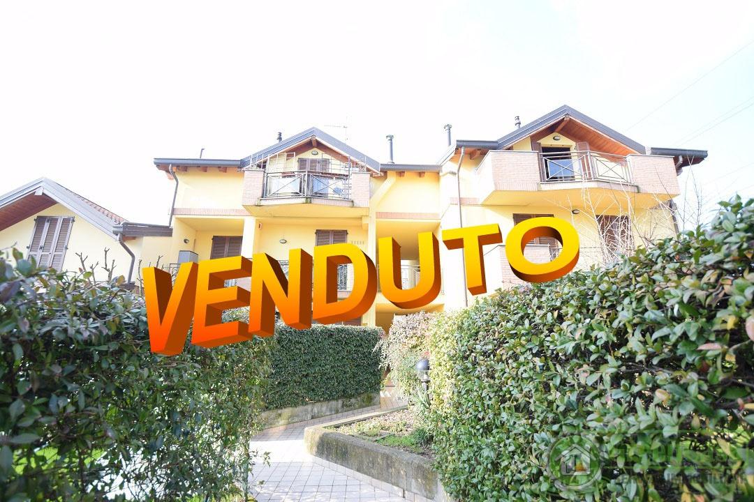 Appartamento in ottime condizioni in vendita Rif. 5375817
