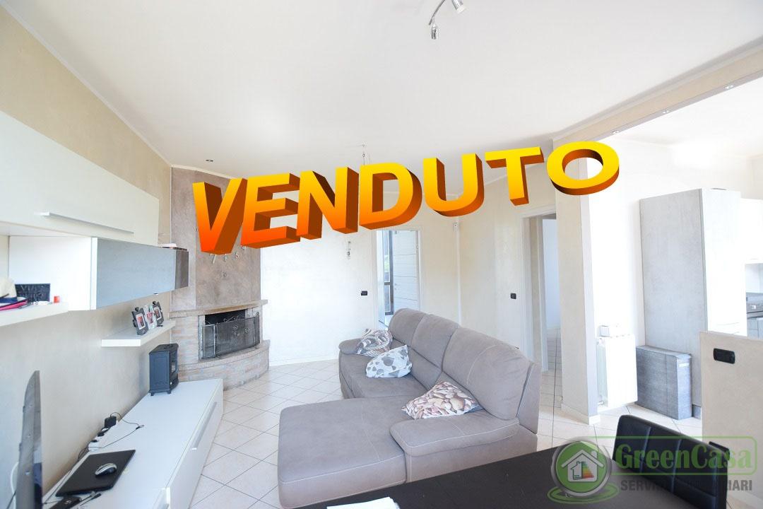 vendita appartamento agrate brianza  NINO BIXIO 120000 euro  3 locali  75 mq
