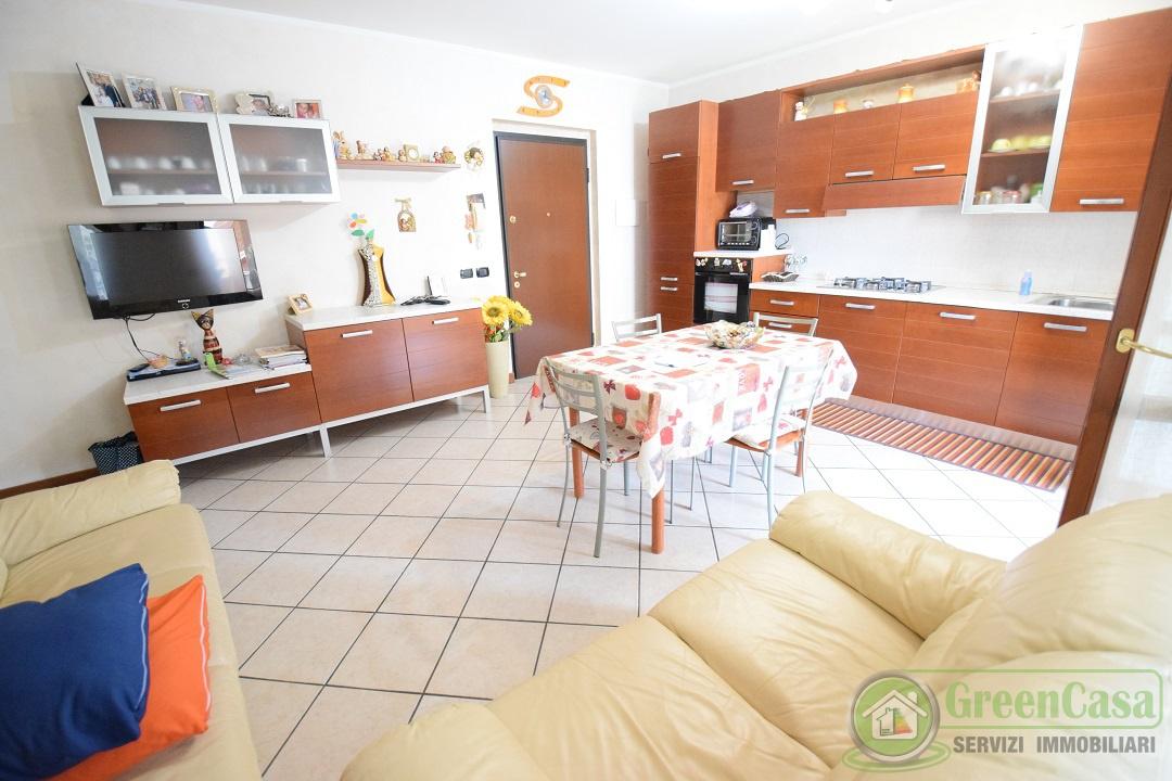 Appartamento in buone condizioni in vendita Rif. 8167783
